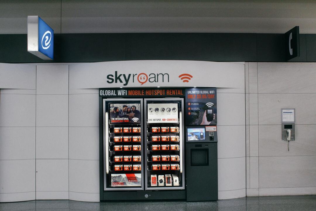 Skyroam_Global_MiFi_Hotspot_Airport_Rental